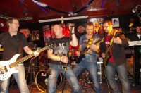 https://punch-band.de/img/gigs/Brownsugar%20Nuernberg%2022.01.2015/IMGP7693.jpg?1593957630