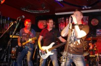 https://punch-band.de/img/gigs/Brownsugar%20Nuernberg%2022.01.2015/IMGP7719.jpg?1593957630